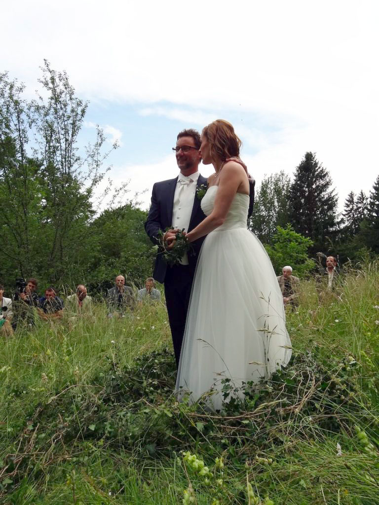 wedding in the Nature and the countryside - shamanic wedding by Nasma Al Amir in Lausanne